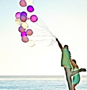 headshots balloon couple-1