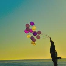 headshots couple balloon-3