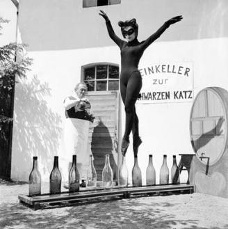 catwoman toe balance