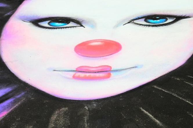 female clown face-SE